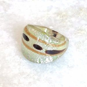 {VINTAGE} 70s Clear Silver Brown Gold Acrylic Ring